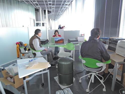 2018 2 25(日)寺崎英子アーカイブ カラーネガフィルムスキャン作業風景.JPGのサムネイル画像